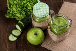 learn how to make a green smoothie