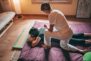 how to become physiotherapist